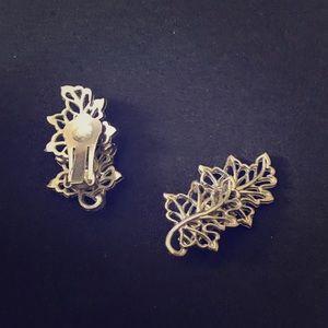 3 FOR $15 ~~ Vintage clip earrings